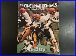 Lot of Cincinnati Bengals Items-1982 Super Bowl program, 1974 & 1982 team picture